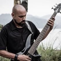 Carlos Fharia 04